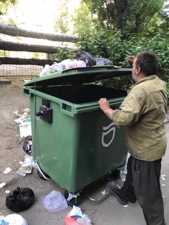 """В Днепре разгорелся """"мусорный"""" спор"""