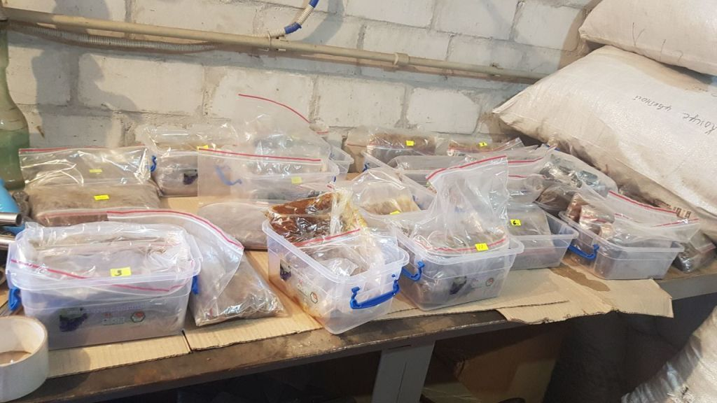 В Запорожье изъяли свыше полутонны нелегального табака для кальяна