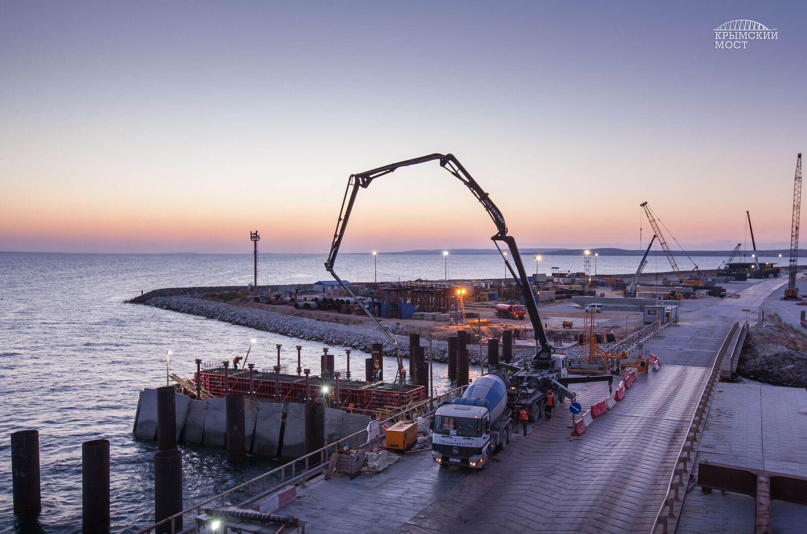Українські фірми допомагали будувати Керченський міст - постпред Порошенка