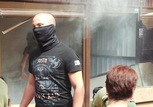 По Украине прокатилась волна погромов: кто за ними стоит и чем это аукнется