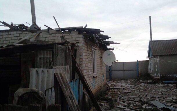 Наслідки обстрілу селища Троїцьке
