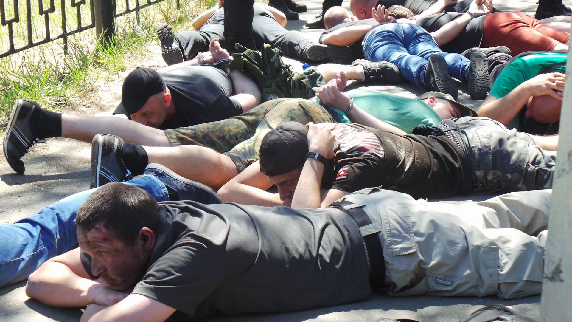 Полиция задержала 34 нападавших
