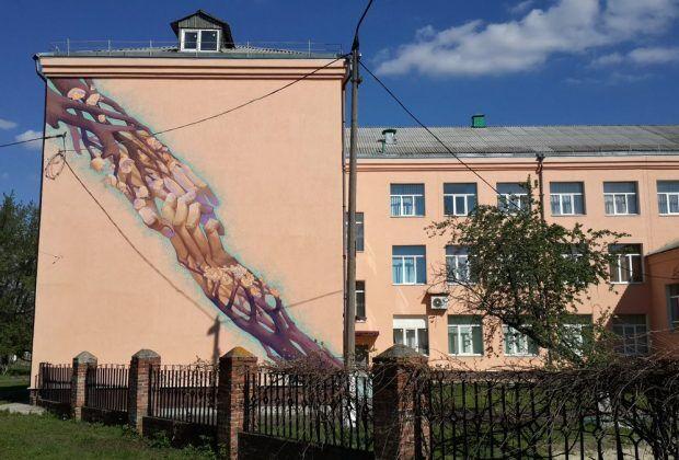 Харьковчанин создал необычные муралы в 4 городах