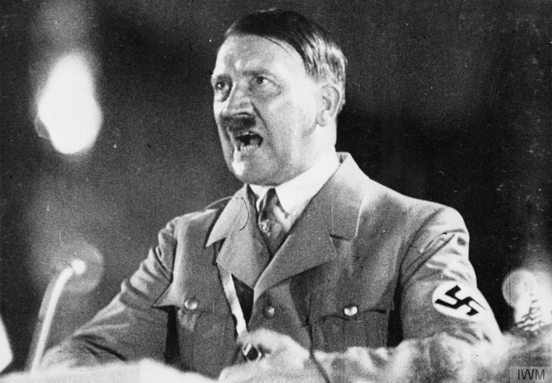 Адольф Гітлер під час одного з виступів