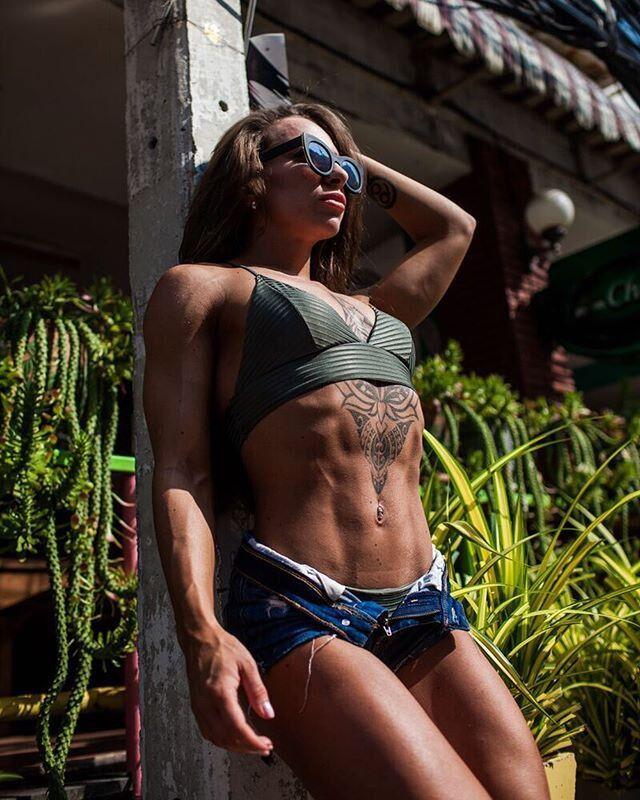 Дуже гаряче: російська фітнес-модель підкорює Instagram жаркими фото