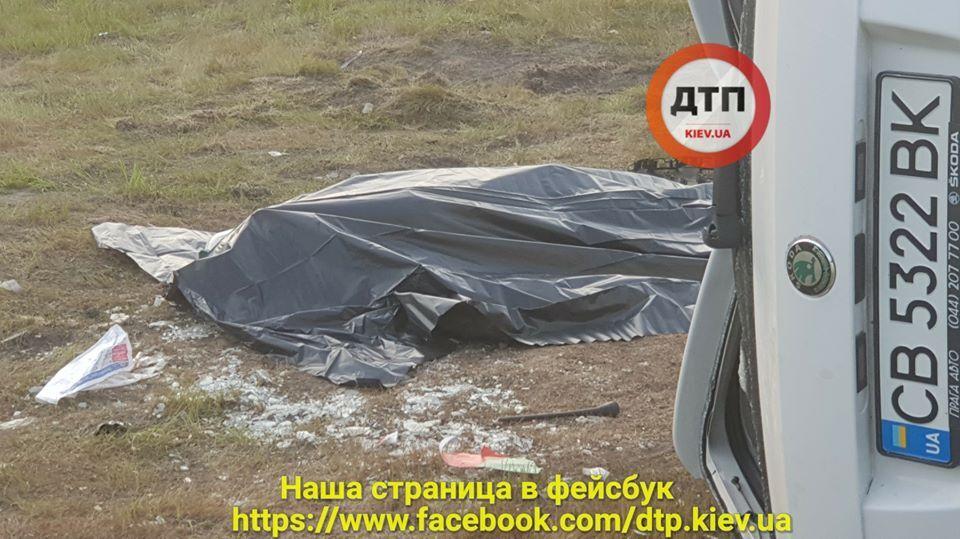 ДТП з таксі Uber в Києві: загинула людина, багато постраждалих
