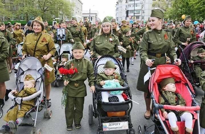 Путлерюгенд: маленькі діти марширують в Іванові у строю, у військовій формі і з радянськими піснями - Цензор.НЕТ 5434