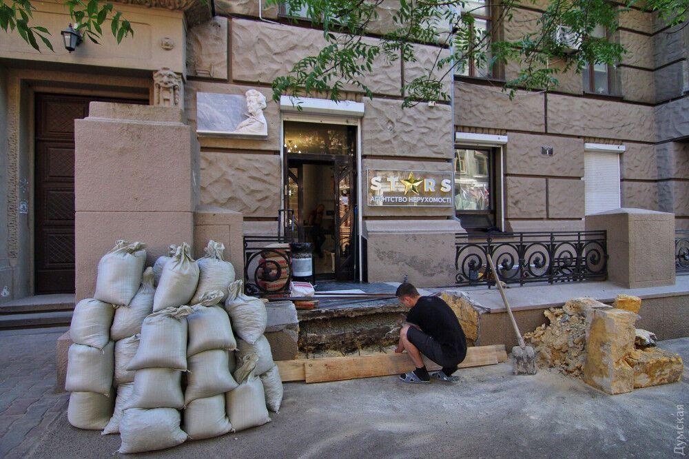 Скандал в Одесі: історичну будівлю зіпсували заради пандуса