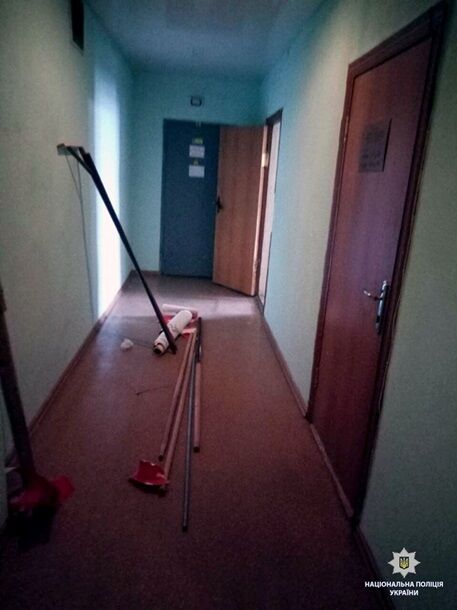 У Харкові розгромили офіс шанувальників Путіна
