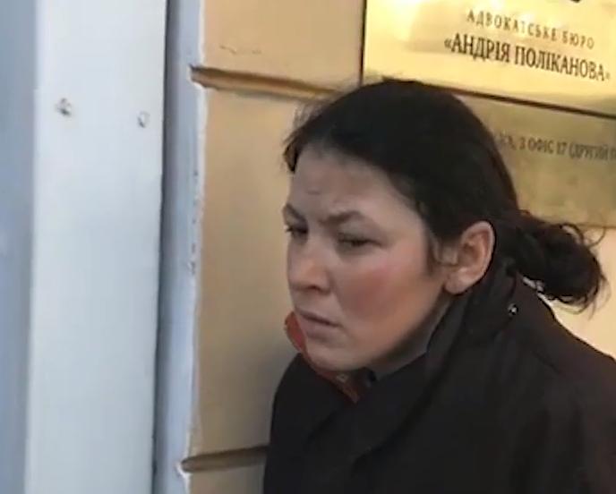 Ховають обличчя і руки: в Україні з'явилися нові жебраки