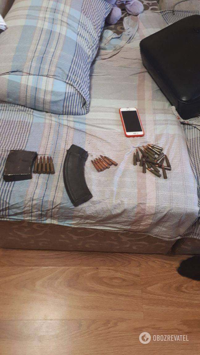Части оружия, найденные в ходе обысков