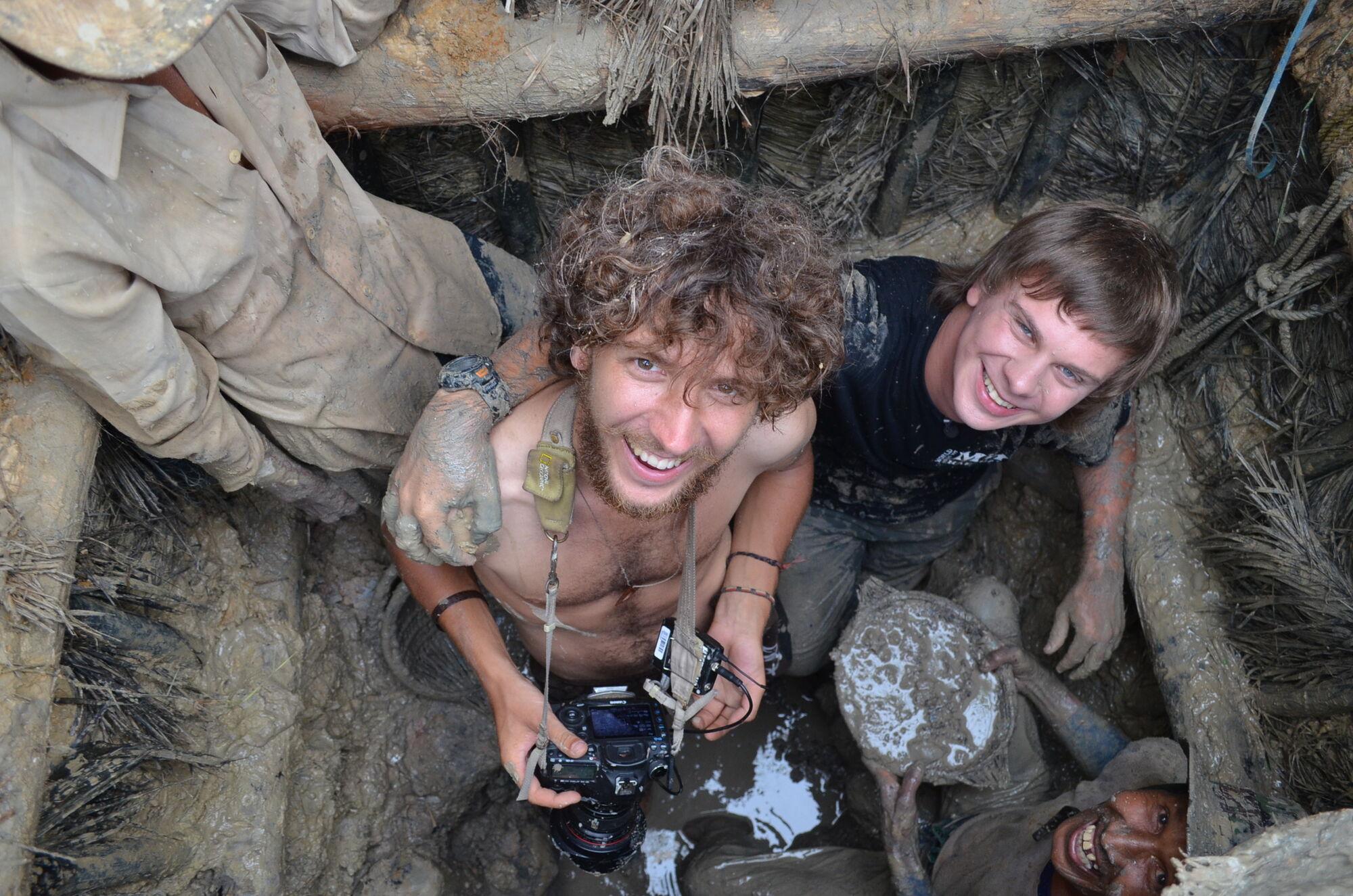 В Непале мы чудом не сели в самолет, который затем разбился - Дмитрий Комаров