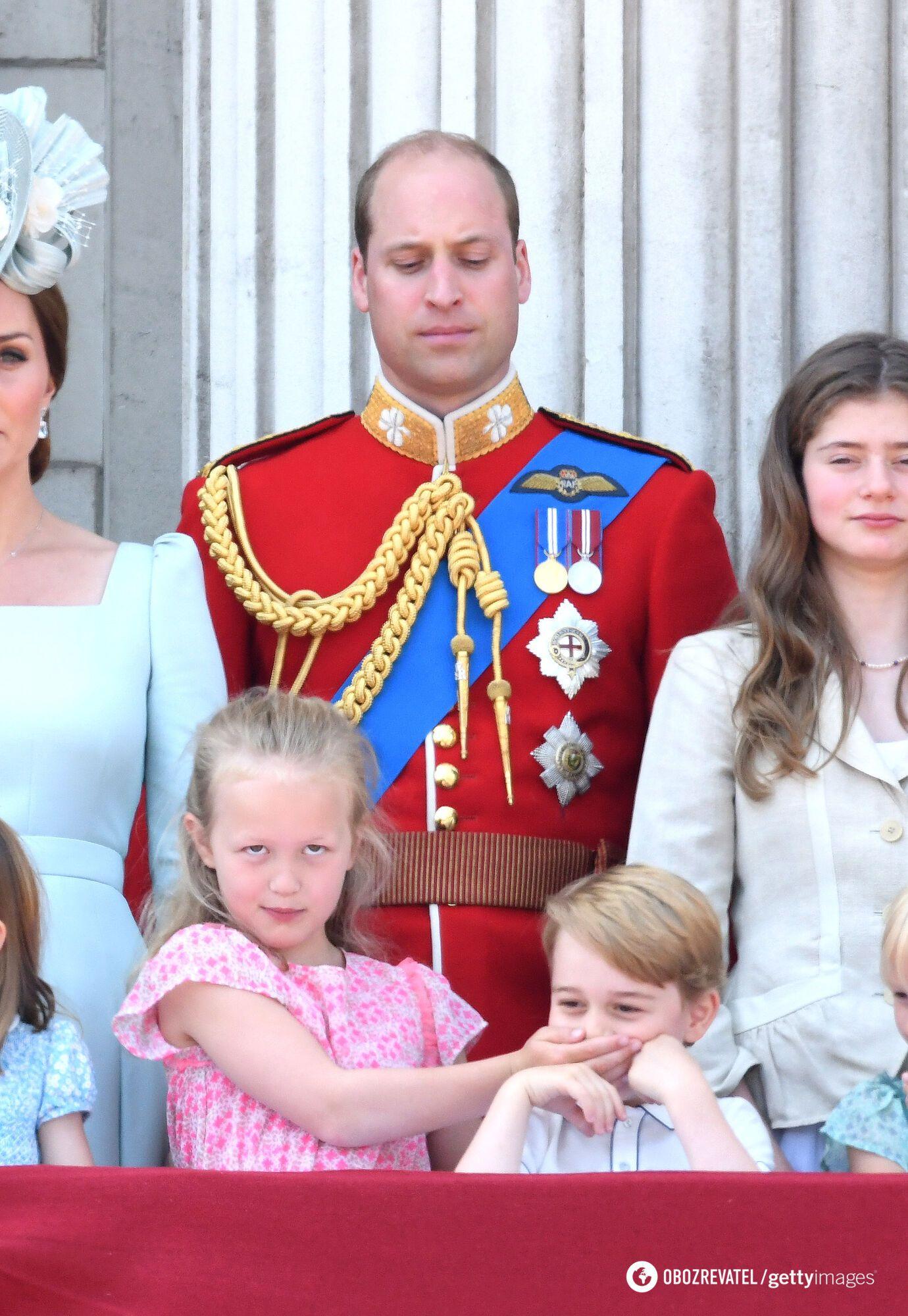 Принцу Джорджу закрила рот троюрідна сестра