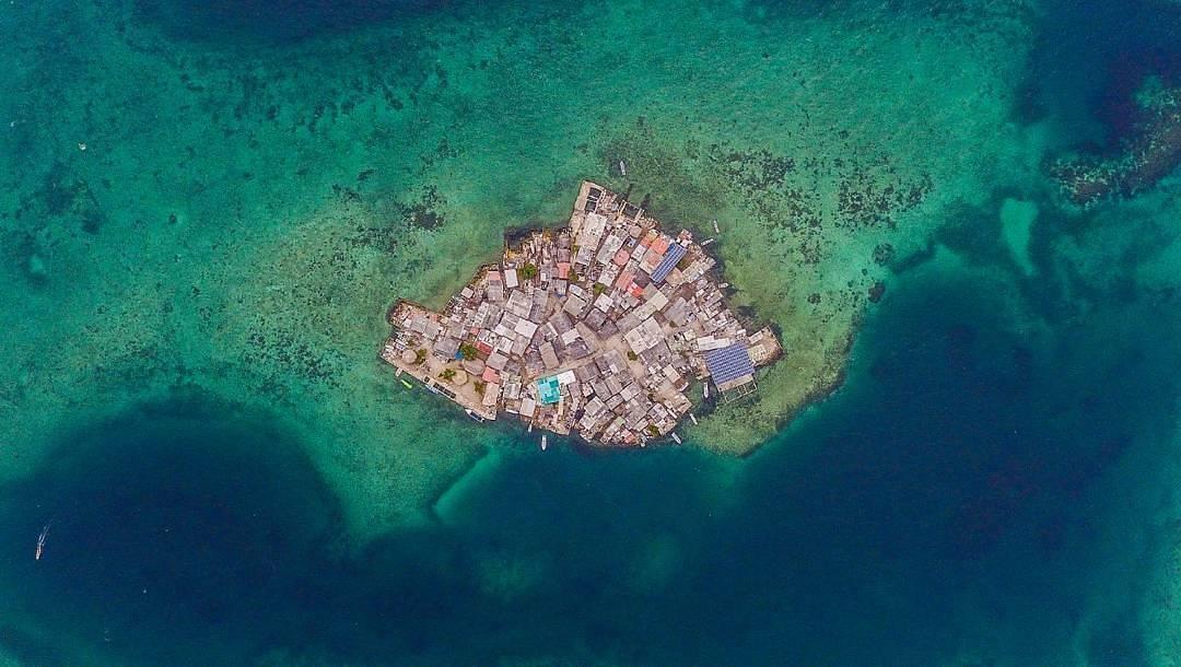 Самый населенный остров в мире: фото и видео