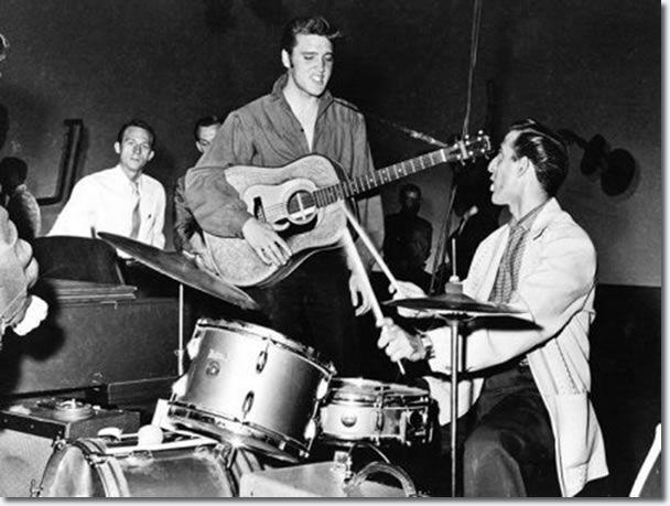 Помер барабанщик Елвіса Преслі
