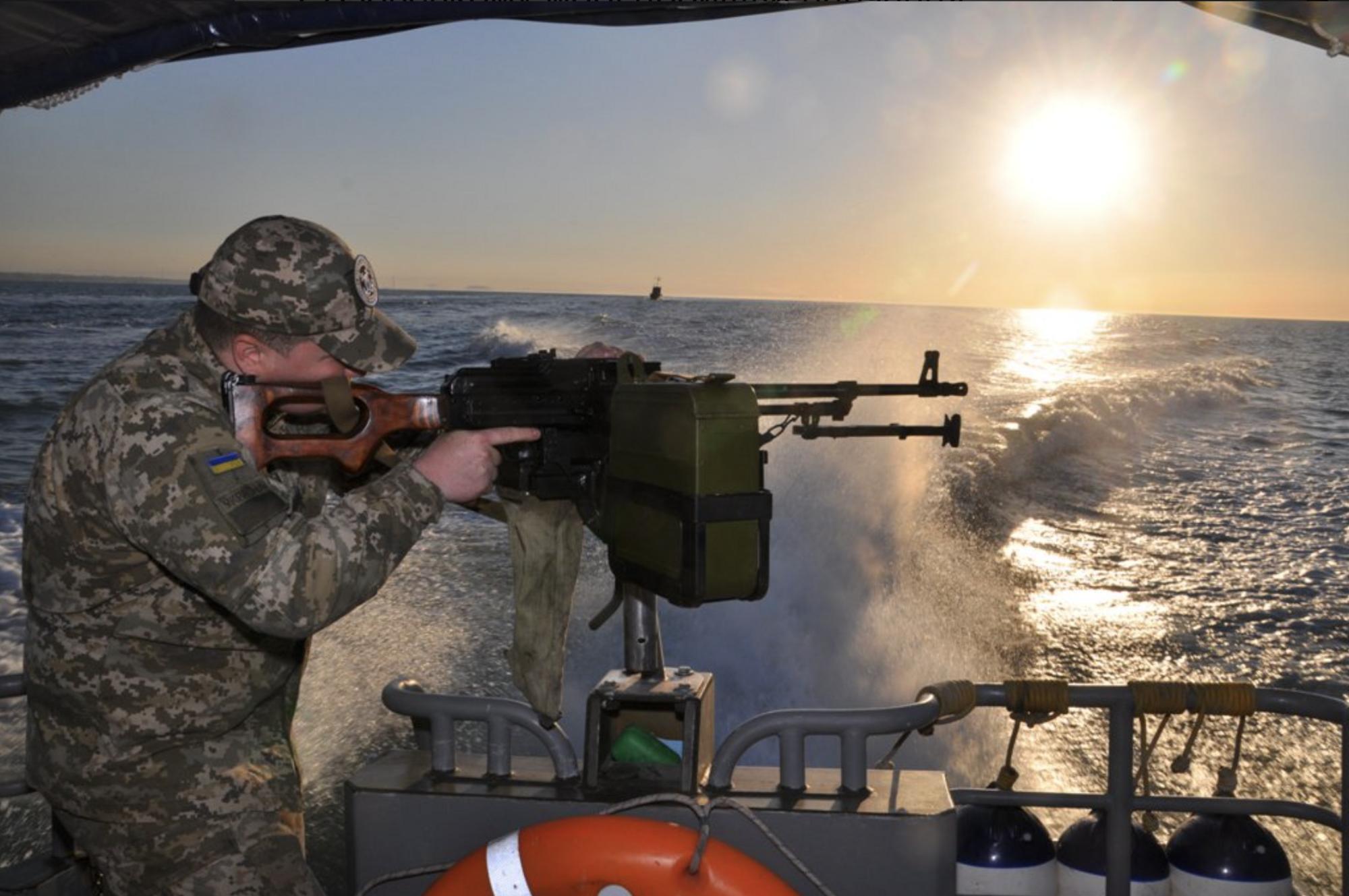 """""""Экшн!"""" В Азовском море прошли боевые учения пограничников"""