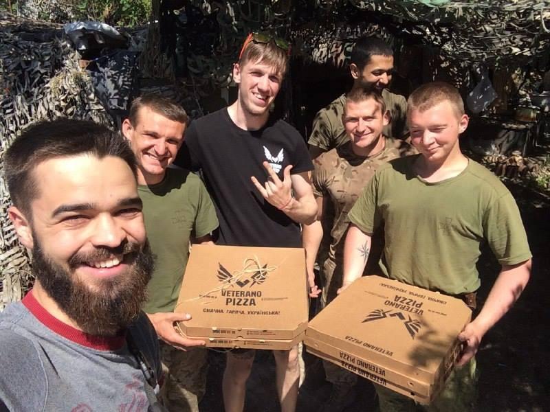 """Коли у бліндажі звучить """"Доставка піци"""", хлопці офігівають - екс-партизан з Донецька"""