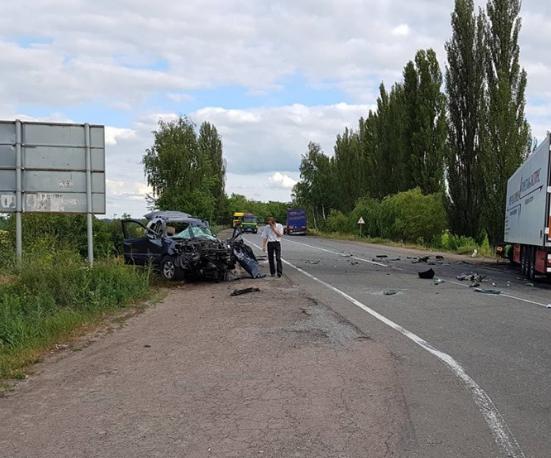 Кровавое ДТП на Херсонщине: водитель сбил мать с младенцем