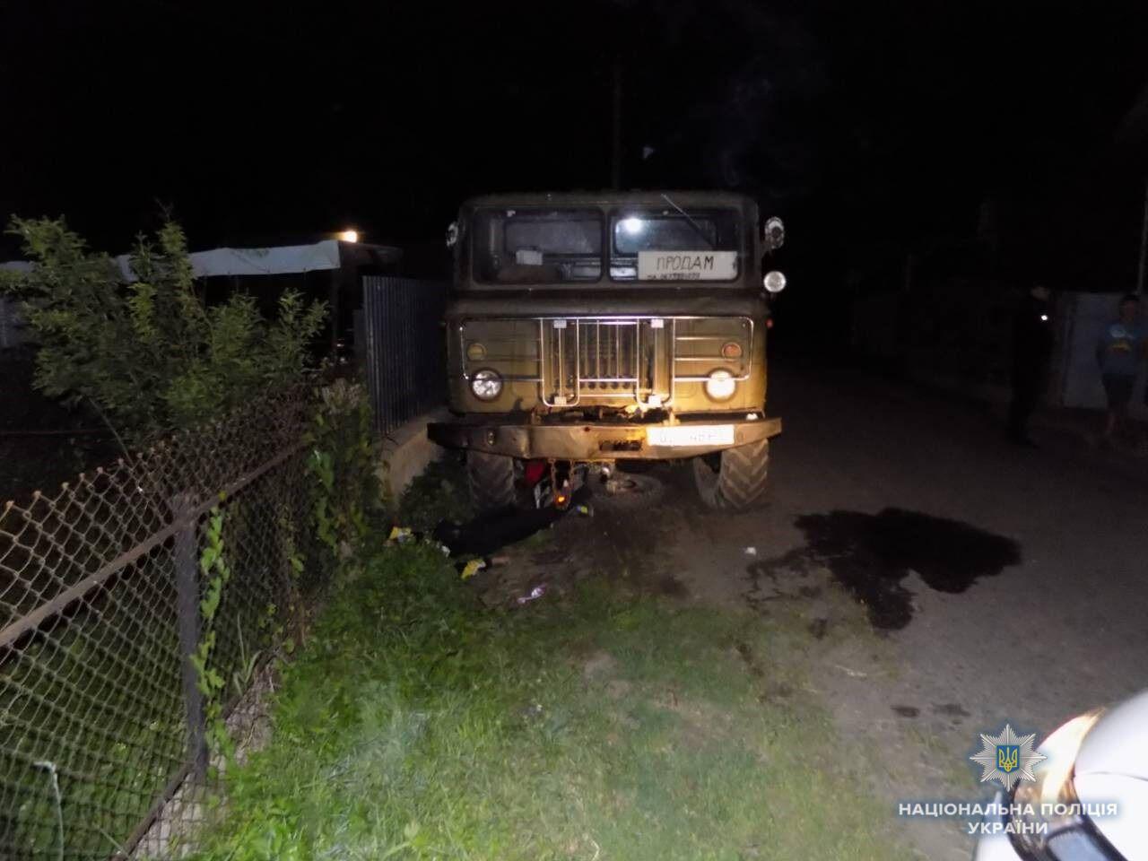 Під Херсоном у ДТП розбилася сім'я: автомобілі зіткнулися лоб у лоб