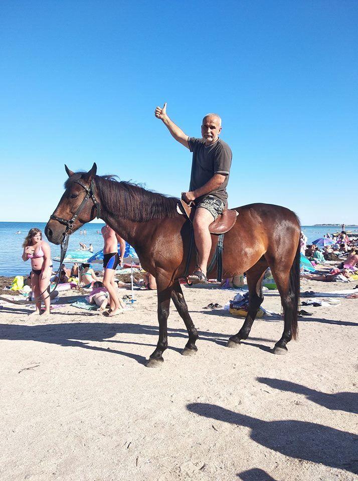 Судячи з фото, Сірко нещодавно був на морі