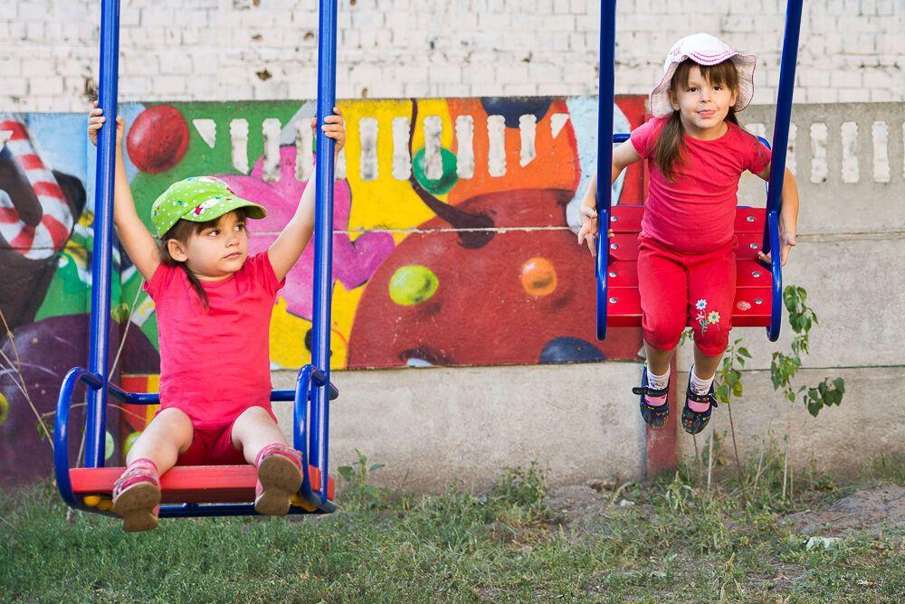 Новая жизнь: как в Украине помогают детям-сиротам найти новую семью