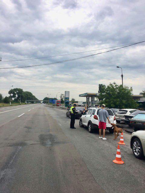 Держали 11 часов: копы влипли в скандал под Черниговом