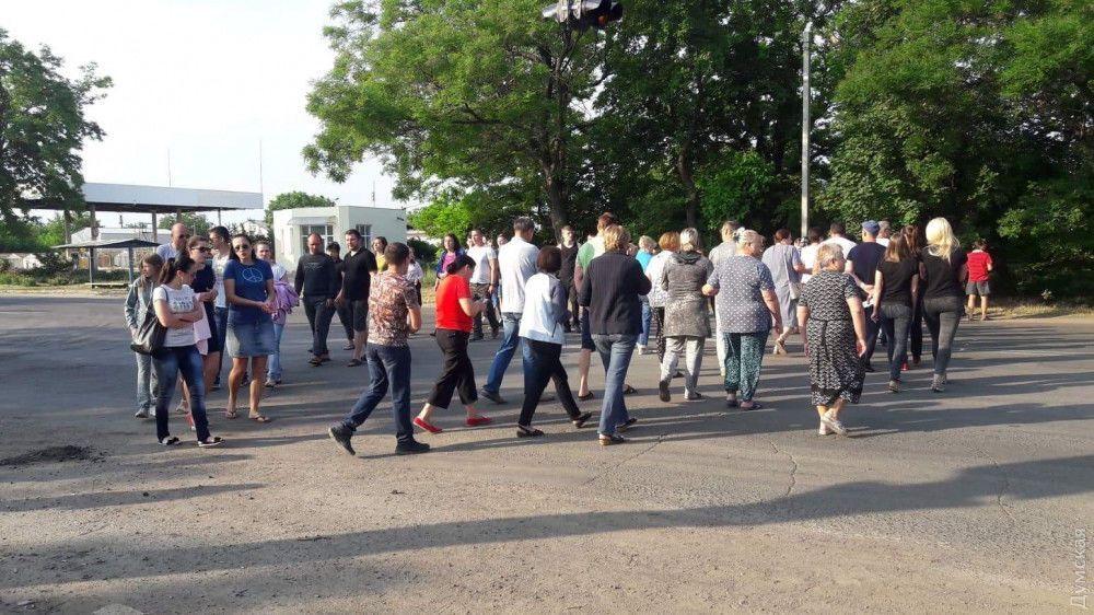 """Жуткое ДТП в Одессе: люди заблокировали """"дорогу смерти"""""""