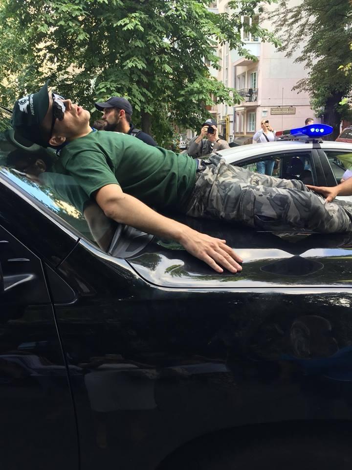 Авто Пинзеника збило активіста
