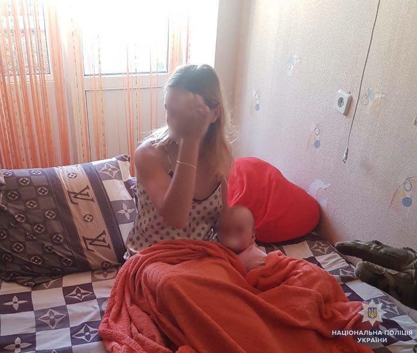 Знімав порно з 8-місячною донькою: на Житомирщині затримали учасника АТО