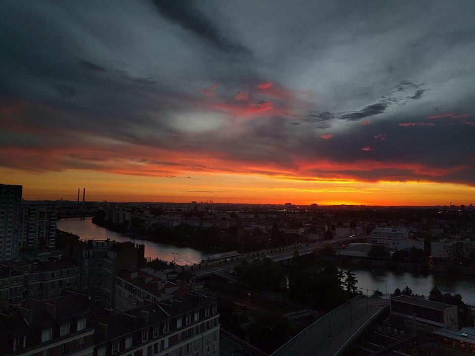 """""""Здесь проще встретить единорога, чем найти квартиру"""", - украинка о жизни в Париже"""