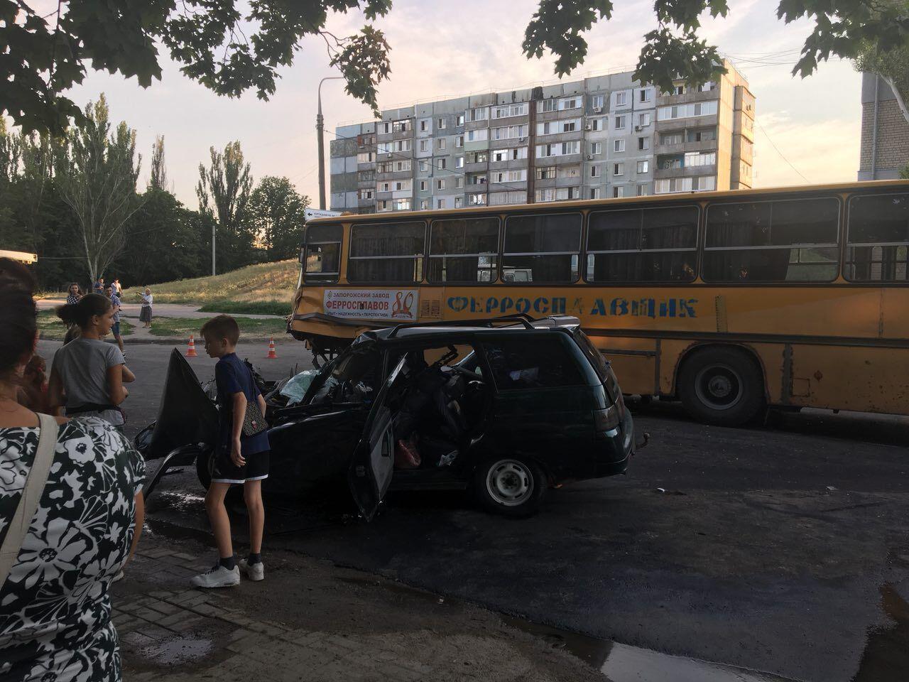 В Запорожье жуткое ДТП, в автомобиле находился 4-месячный ребенок