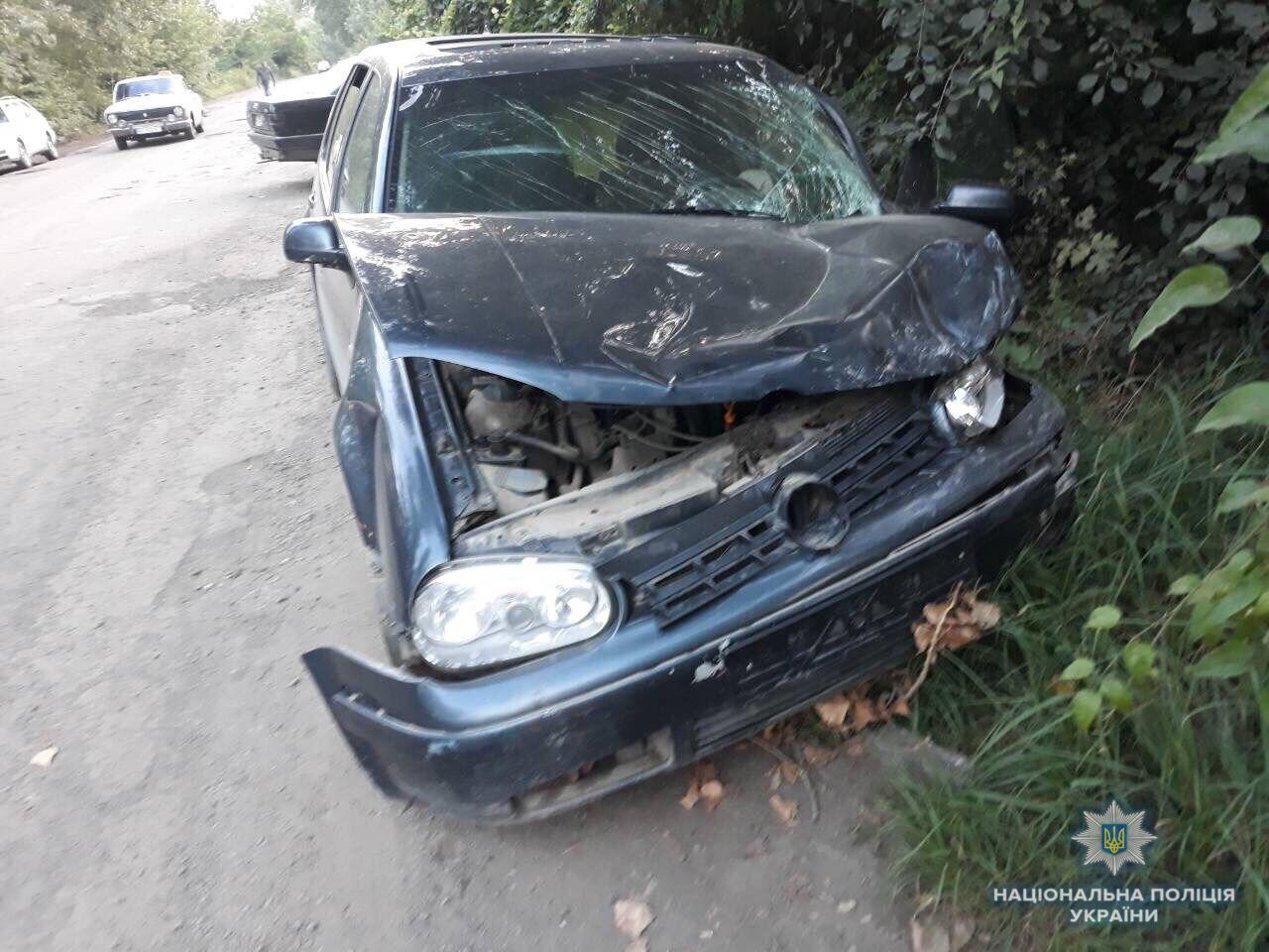 На Закарпатье водитель влетел в авто с детьми