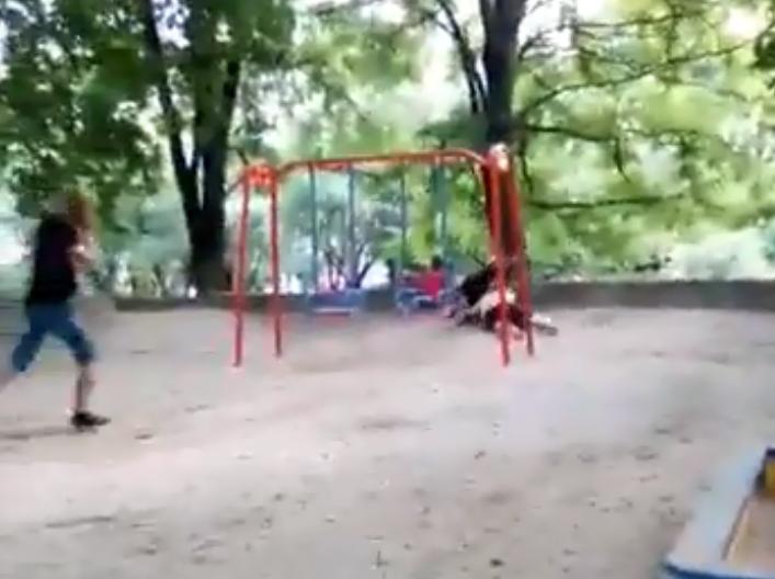 Драка на детской площадке в Киеве