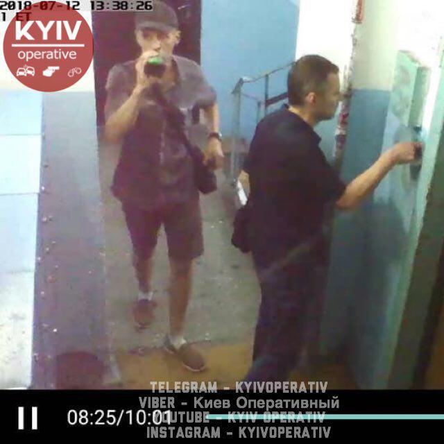В Киеве воры-домушники попали на камеру