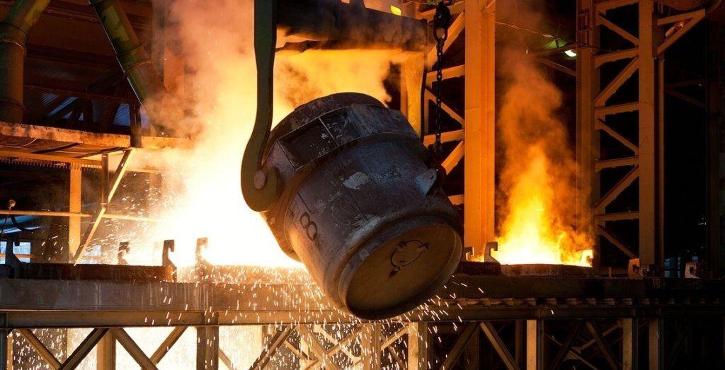На запорожском заводе от травмы, полученной во время работы, погиб сталевар