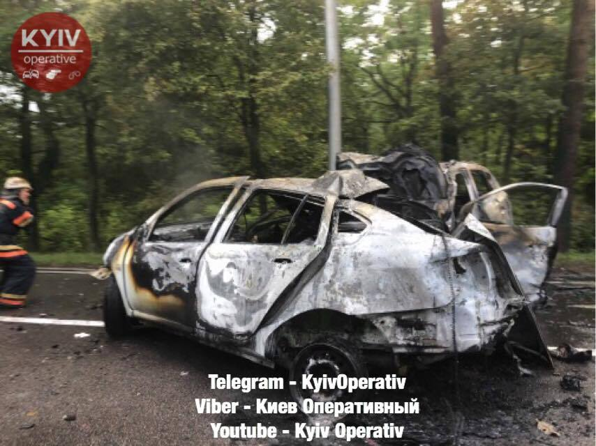 Семья с ребенком сгорела заживо: все подробности тройного ДТП под Киевом