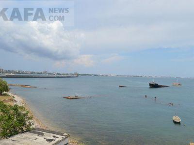 Пролежить півроку: з'явилися фото корабля, який затонув біля берегів Криму
