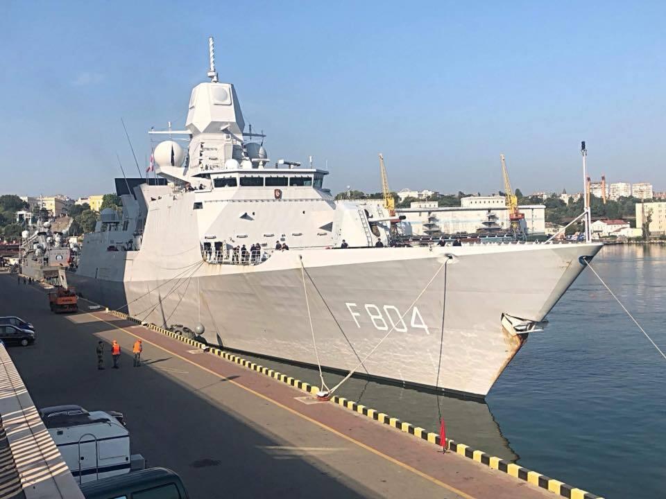 В Одесу ввійшли кораблі НАТО: з'явилися фото