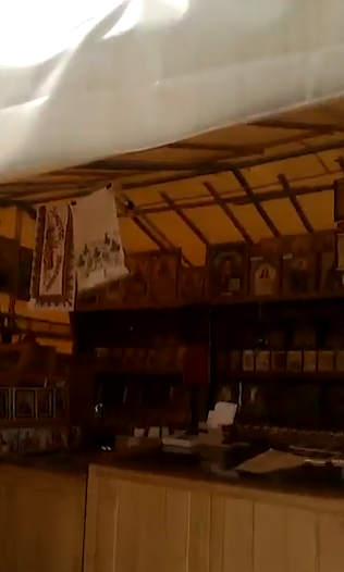 """На потоці?"" Церква УПЦ МП на Донбасі потрапила в скандал"