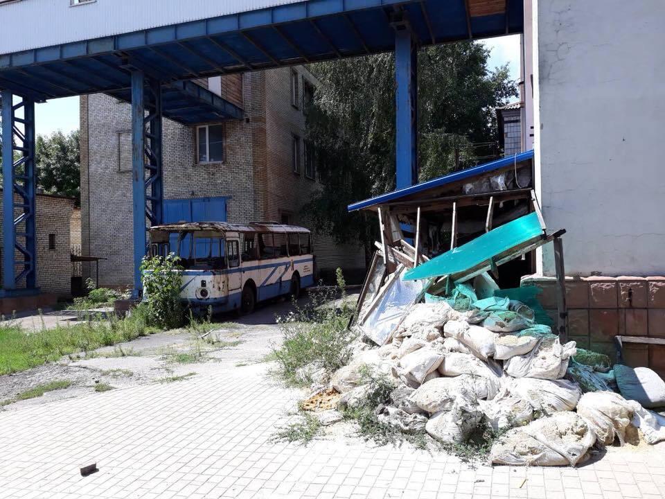 Как оккупанты поиздевались над известным ВУЗом Донецка
