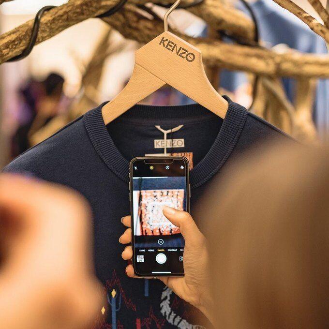 Відомий бренд випустив нову колекцію одягу: озвучено благородний мотив