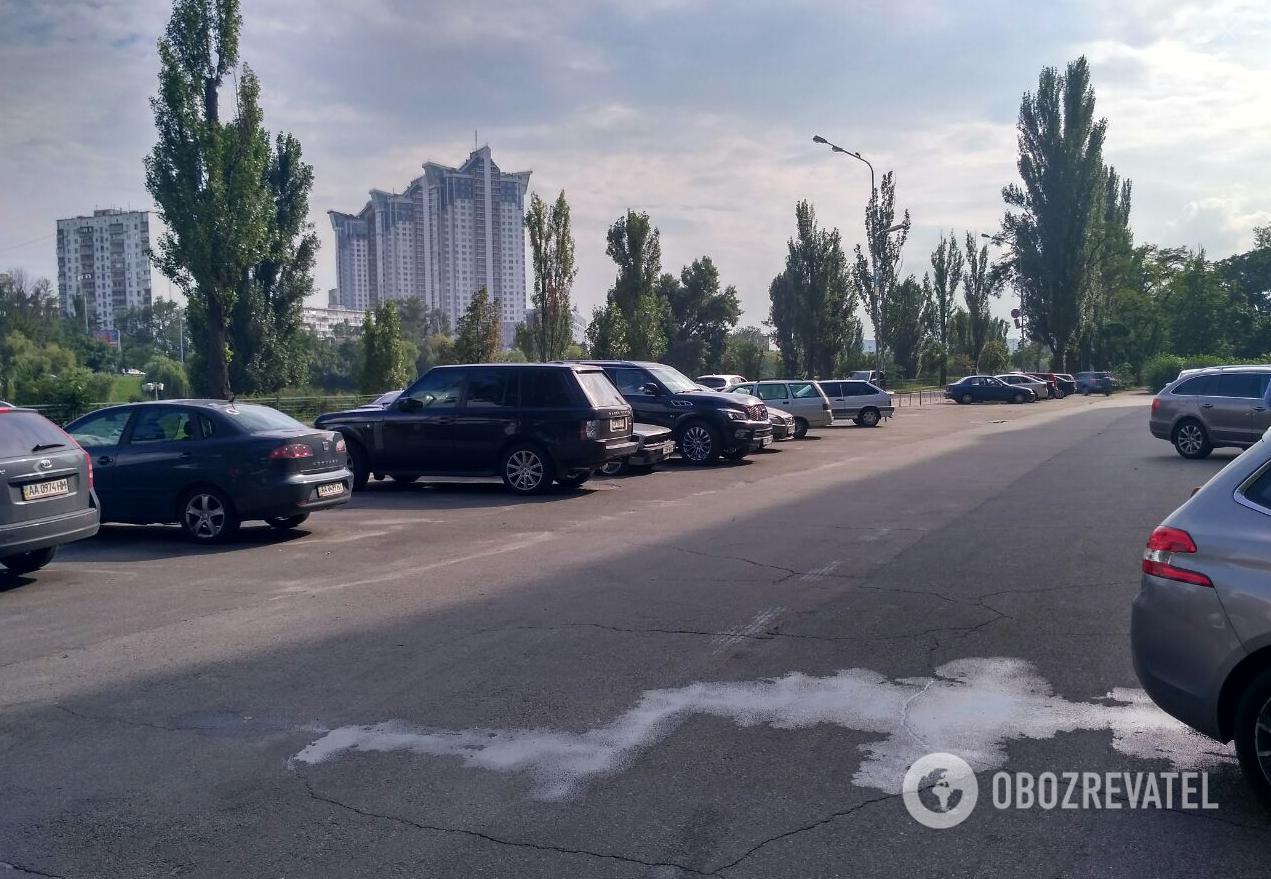 Стрельба и лицом в асфальт: кадры спецоперации в Киеве попали на видео