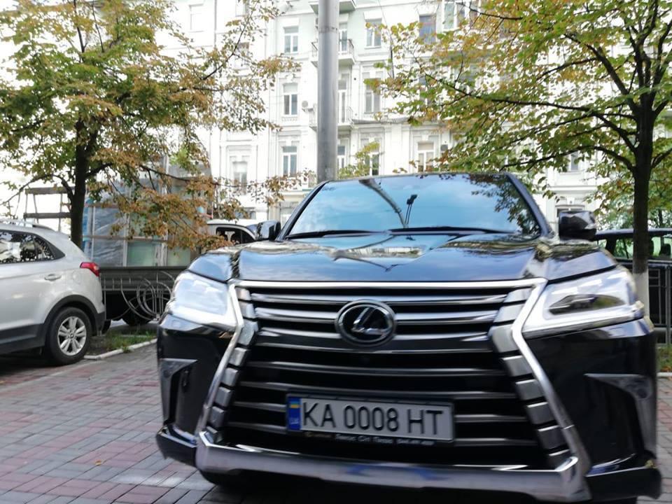 Lexus Владимира Саенко