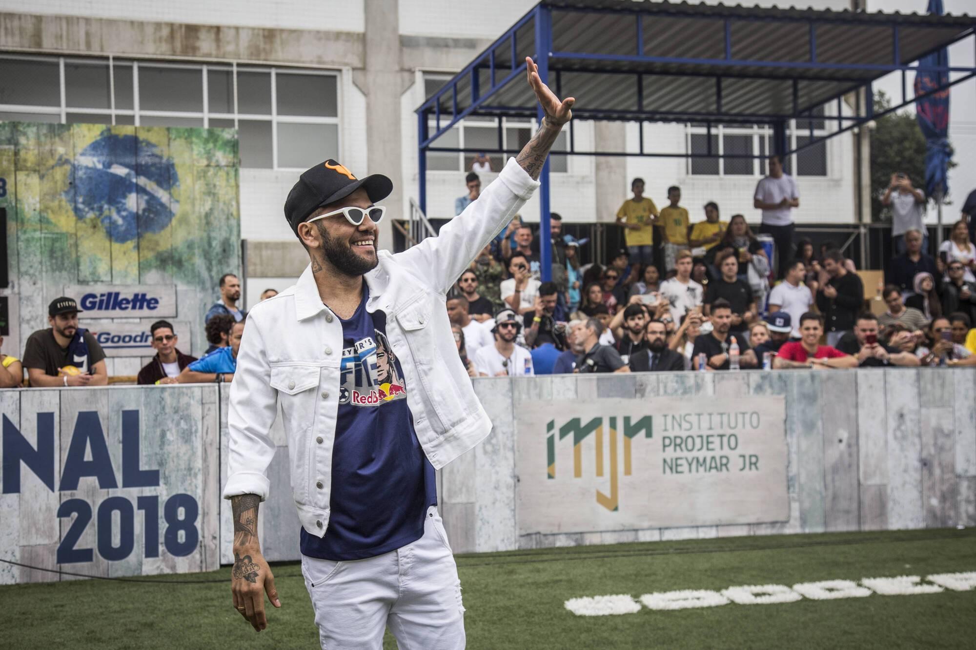 Неймар привітав світових переможців свого авторського чемпіонату Neymar Jr's Five
