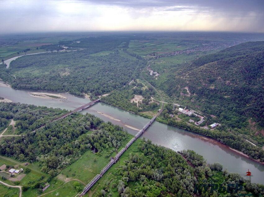 Повітрям над Карпатами: опубліковано неймовірні фото і відео