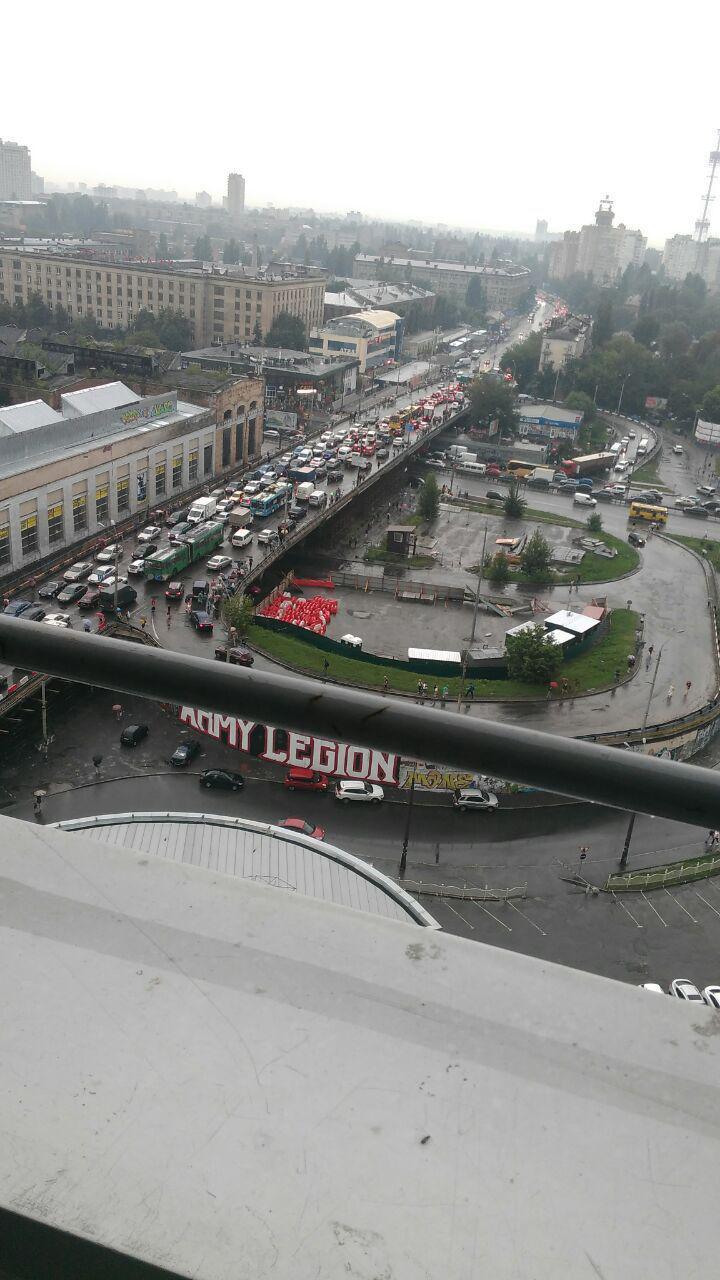 Киев парализовали гигантские заторы