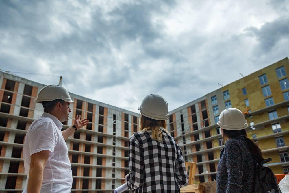 Эксперты объяснили, как инвесторам новостроек участвовать в строительстве
