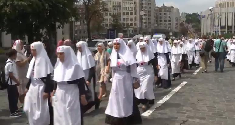 В Киеве прошел Крестный ход УПЦ МП: все подробности