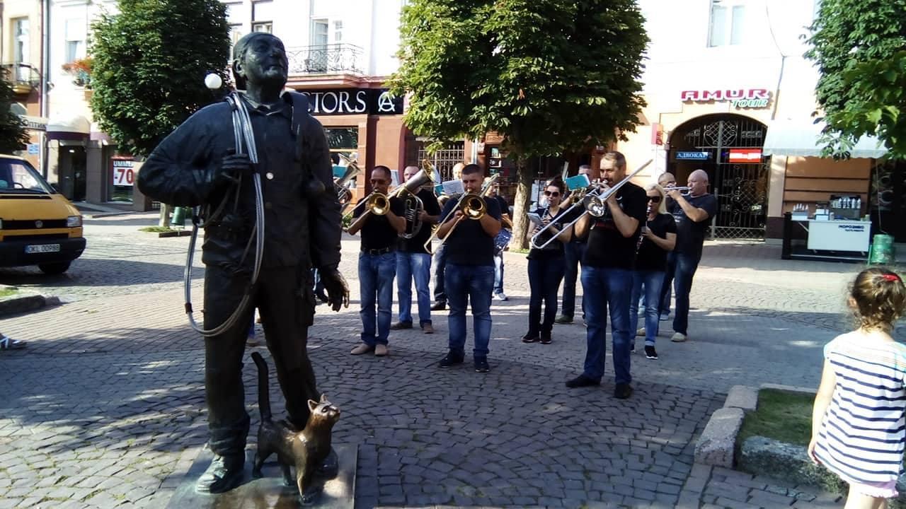 В Мукачево на парад вышли трубочисты