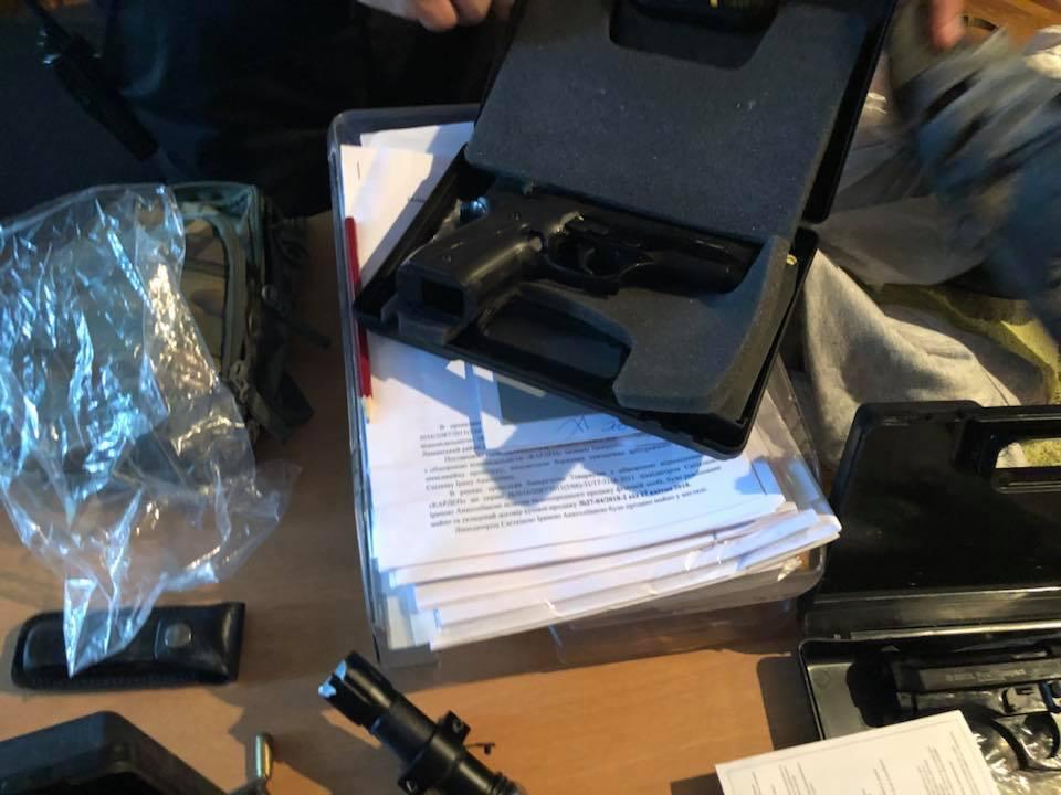 В Одесі озброєні люди захопили підприємство